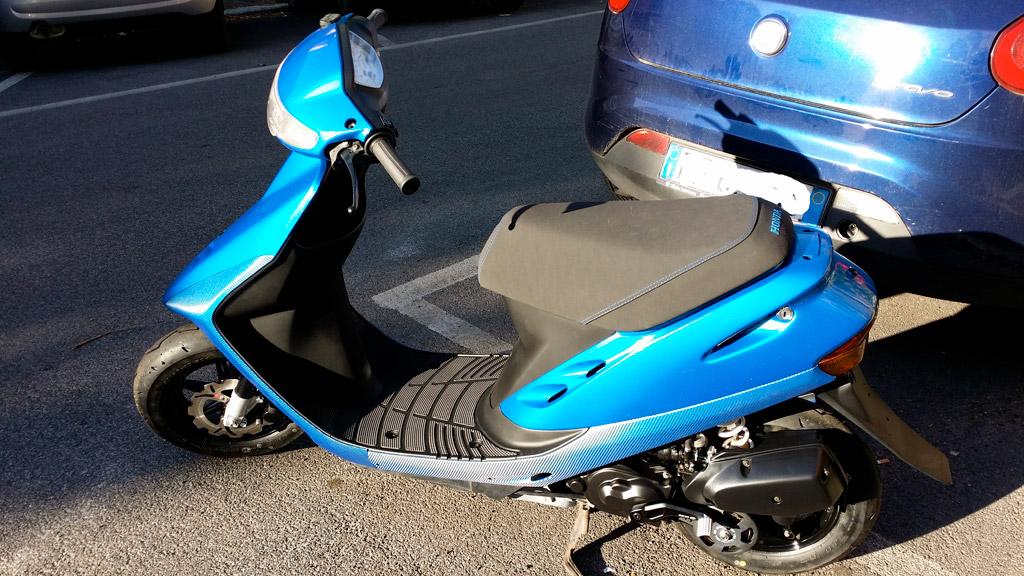 motorino-blu-carbonio-glitterato-04