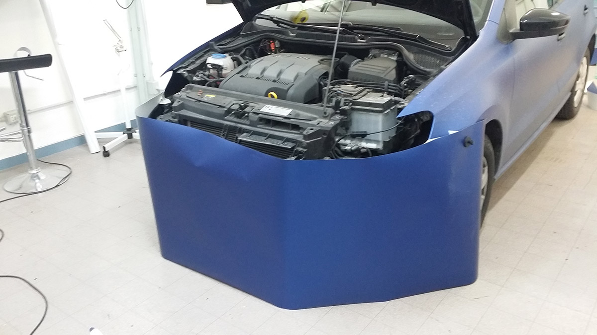 wrapping-volkswagen-polo-blu-02