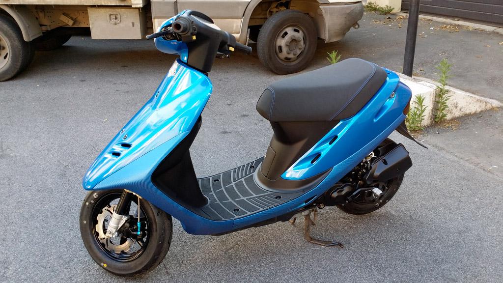 motorino-blu-carbonio-glitterato-03