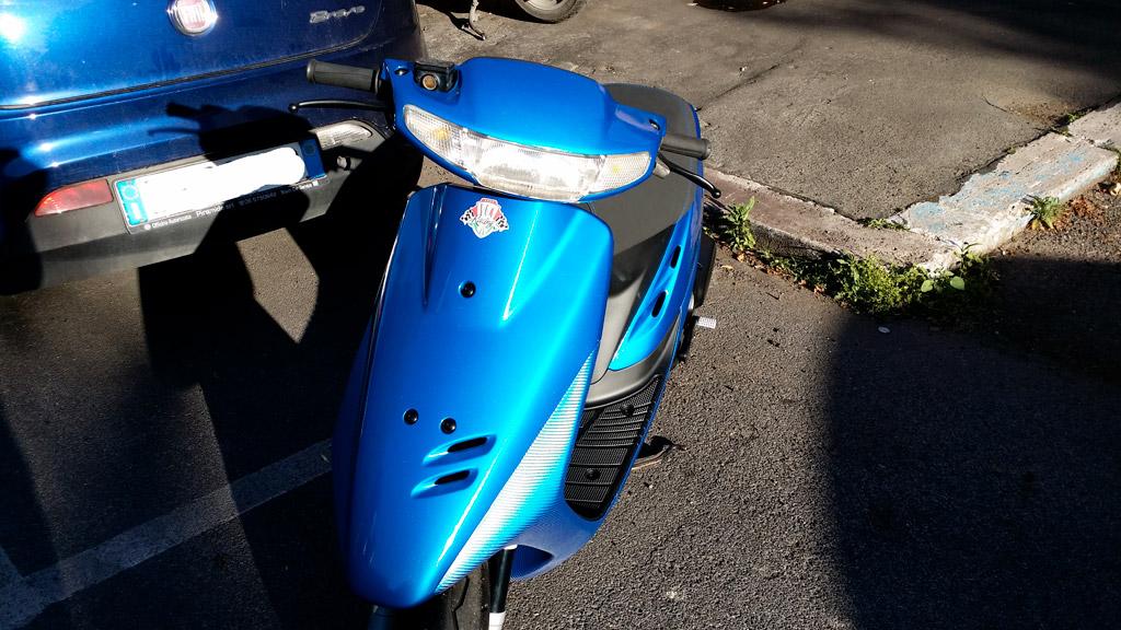 motorino-blu-carbonio-glitterato